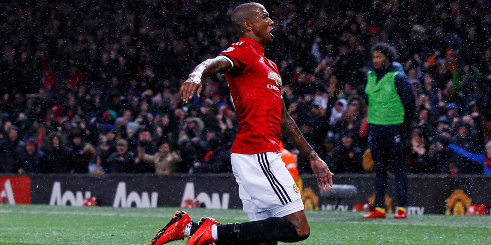 Ashley Young Bakal Diganjar Kontrak Baru Oleh MU